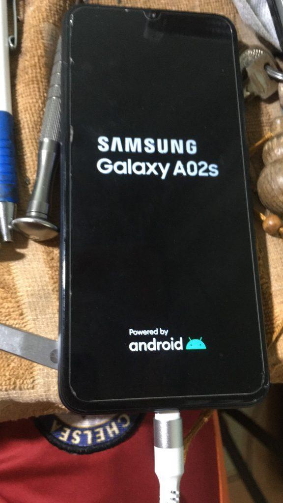 Samsung A02s treo logo